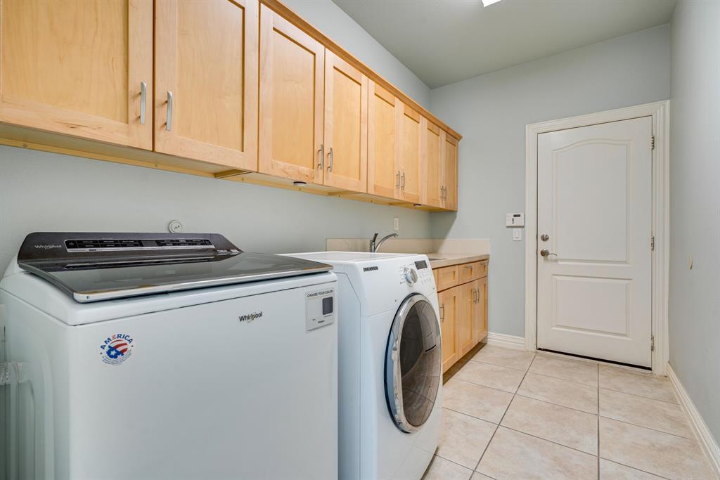 10901 Sandstone  Drive, Denton, Texas 76207 - acquisto real estate best negotiating realtor linda miller declutter realtor