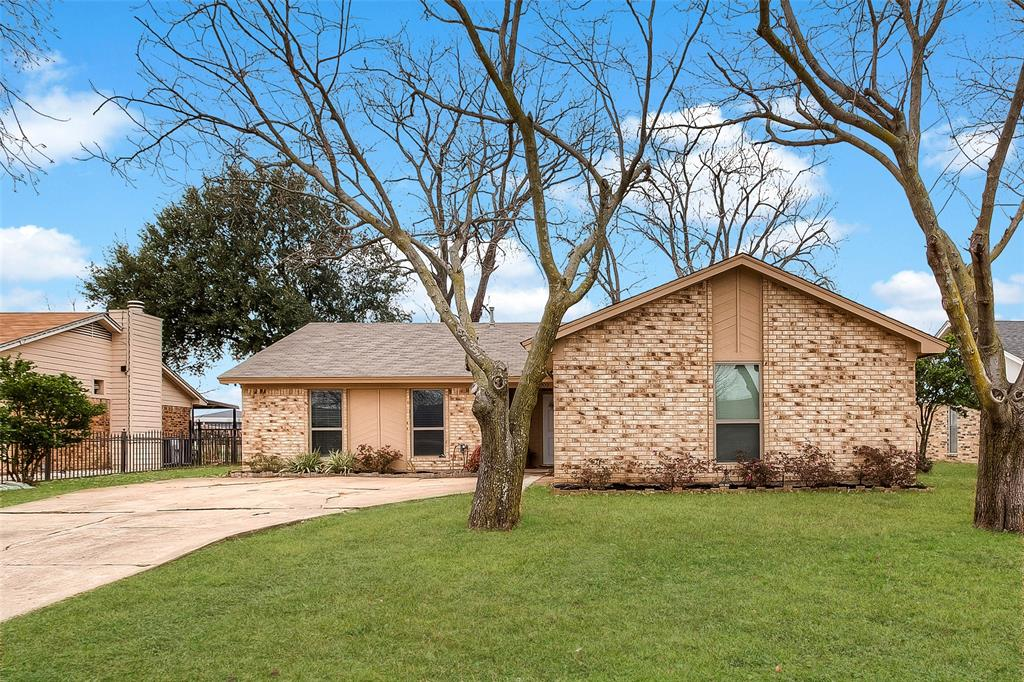 2909 Lake Park Drive Grand Prairie, Texas 75052 - acquisto real estaet best boutique real estate firm in texas for high net worth sellers