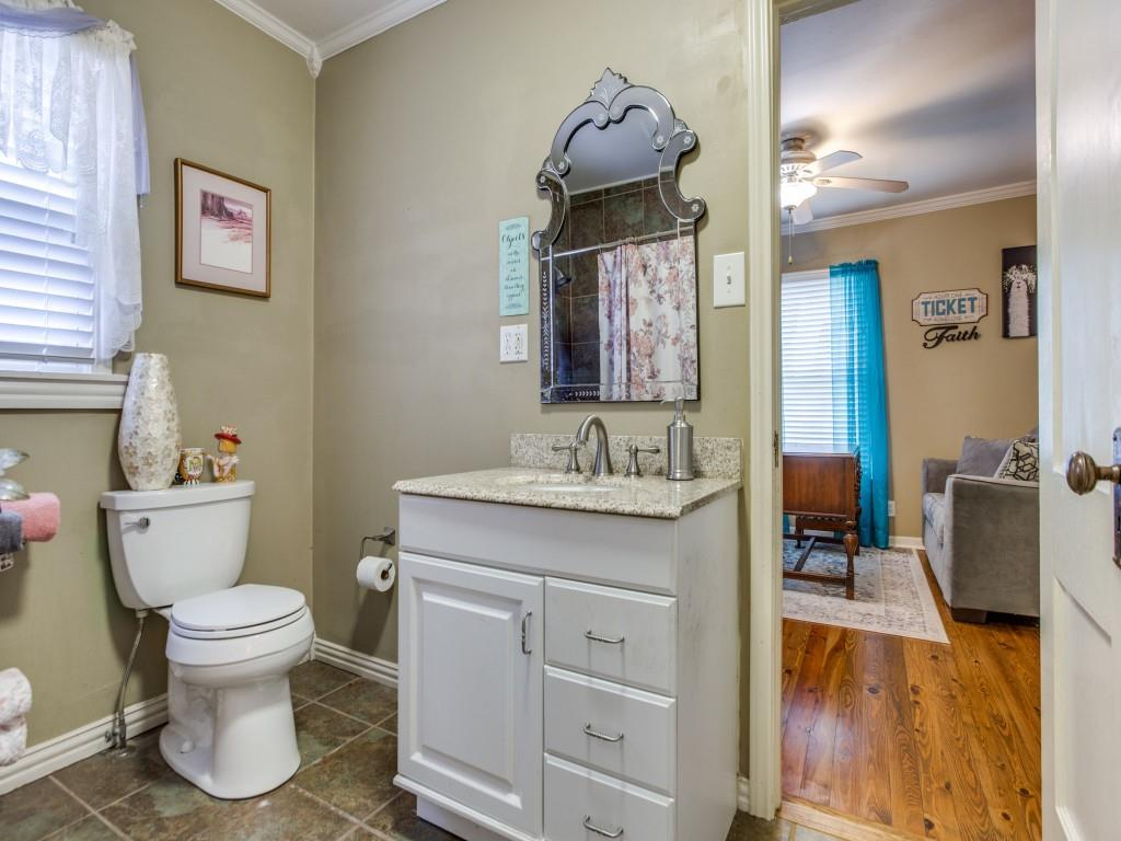 919 College Street, Sherman, Texas 75092 - acquisto real estate best investor home specialist mike shepherd relocation expert