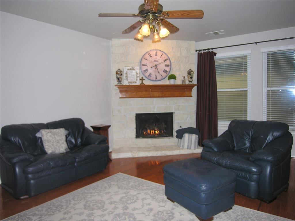 1608 Bur Oak Drive, Allen, Texas 75002 - acquisto real estate best allen realtor kim miller hunters creek expert
