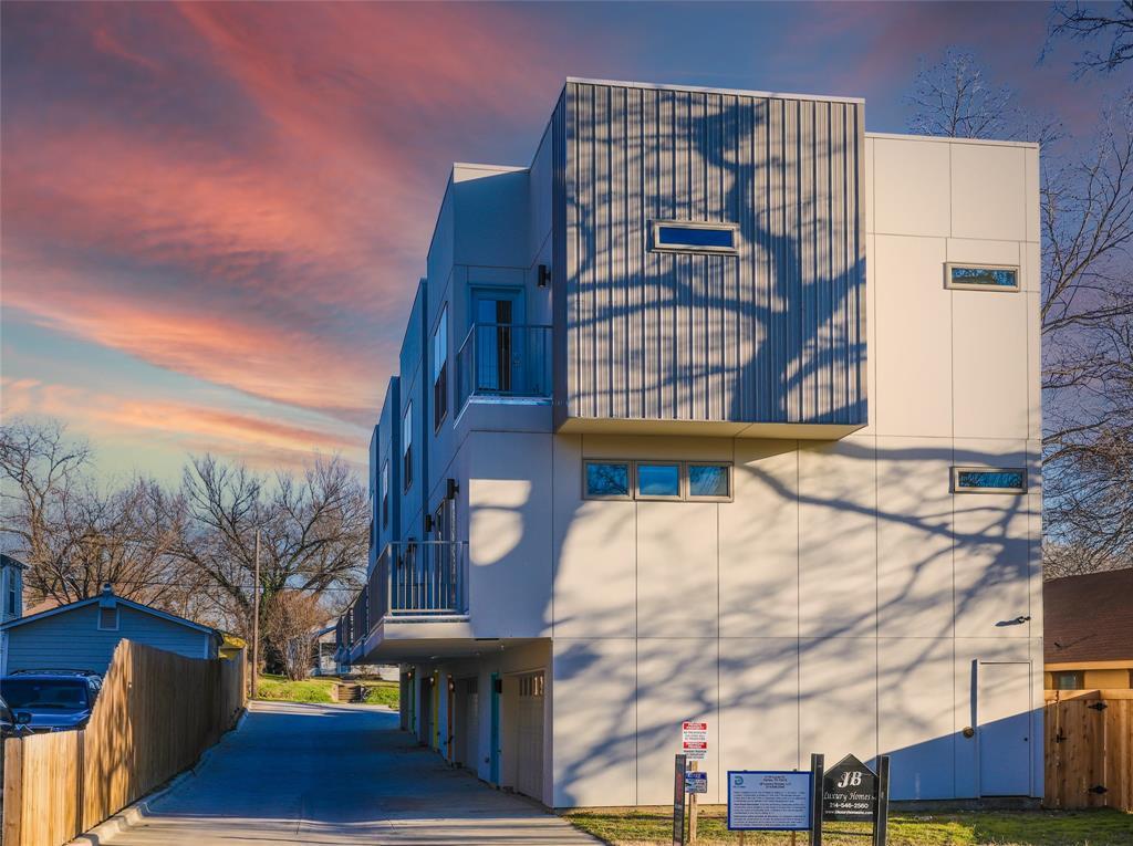 2134 Lucas Street, Dallas, Texas 75219 - Acquisto Real Estate best frisco realtor Amy Gasperini 1031 exchange expert