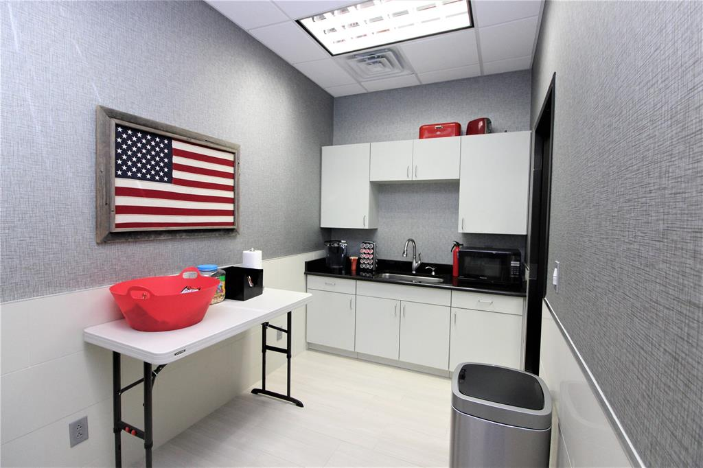 1101 Woods  Gainesville, Texas 76240 - acquisto real estate best investor home specialist mike shepherd relocation expert