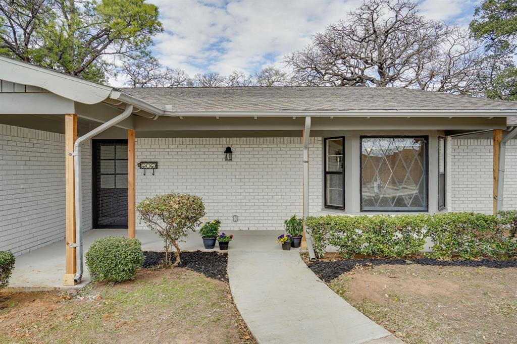 400 Plainview Drive, Hurst, Texas 76054 - Acquisto Real Estate best mckinney realtor hannah ewing stonebridge ranch expert