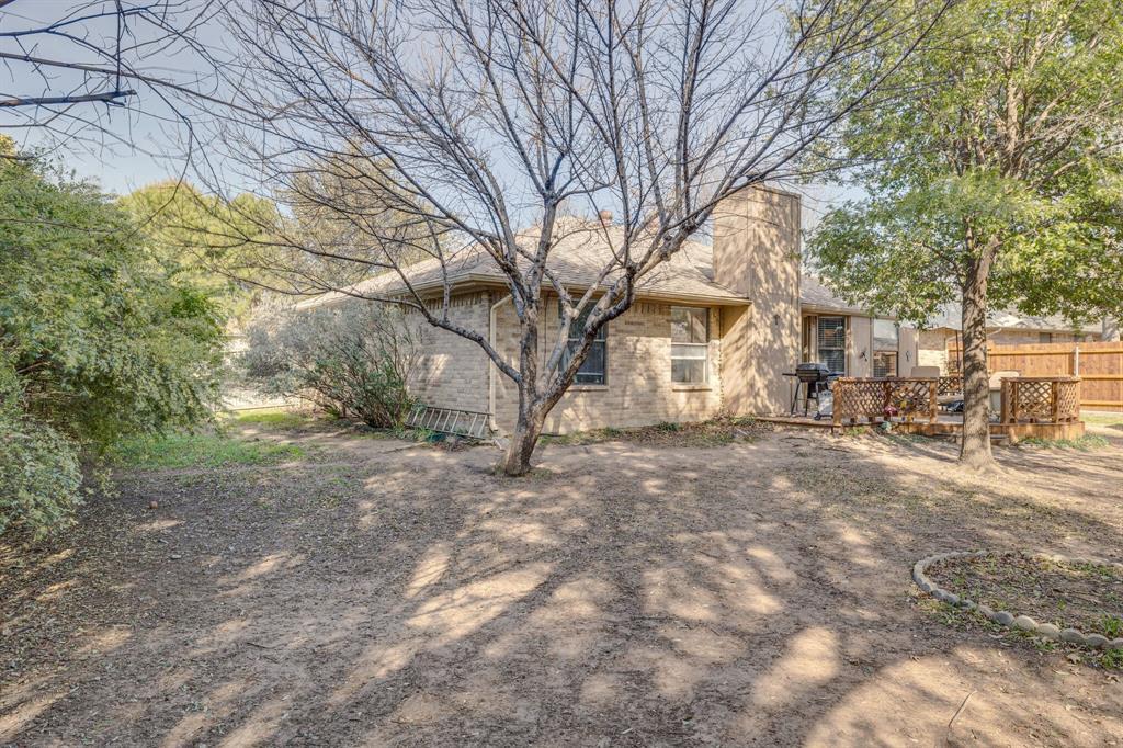 6824 Stillmeadows Circle, North Richland Hills, Texas 76182 - acquisto real estate best frisco real estate agent amy gasperini panther creek realtor