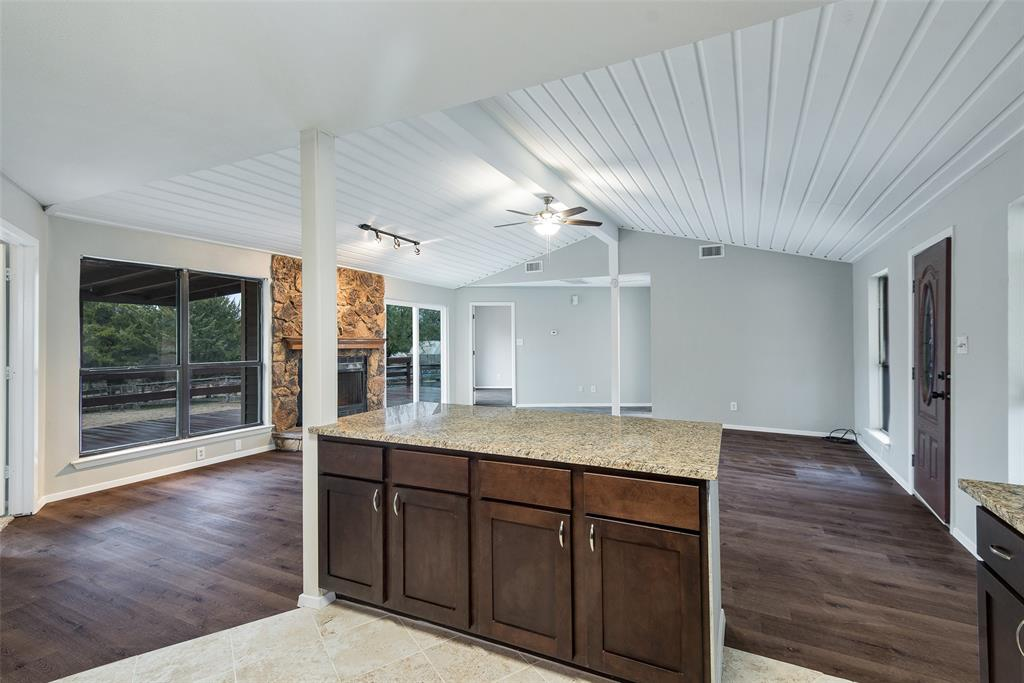 1410 Traildust Drive, Lowry Crossing, Texas 75069 - acquisto real estate best realtor foreclosure real estate mike shepeherd walnut grove realtor