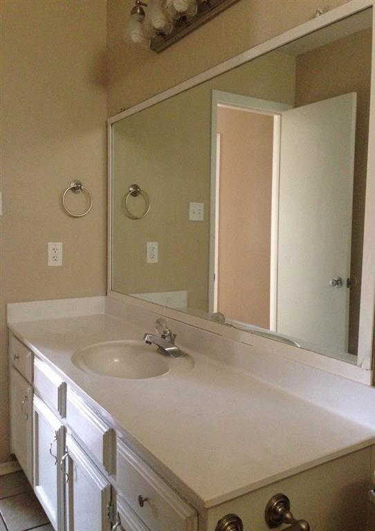 5721 Springtide Drive, Fort Worth, Texas 76135 - acquisto real estate best highland park realtor amy gasperini fast real estate service