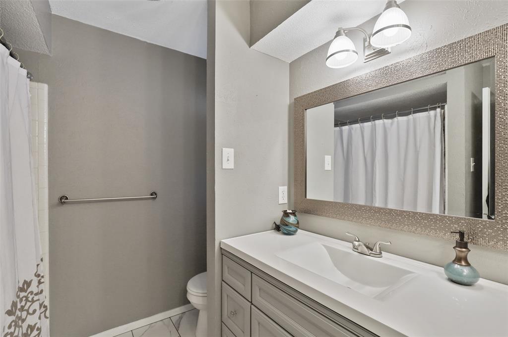 1413 Kingsbridge Drive, Garland, Texas 75044 - acquisto real estate best realtor foreclosure real estate mike shepeherd walnut grove realtor