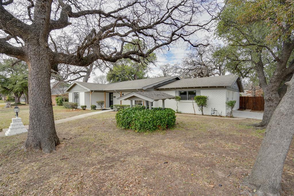 400 Plainview Drive, Hurst, Texas 76054 - acquisto real estate best allen realtor kim miller hunters creek expert