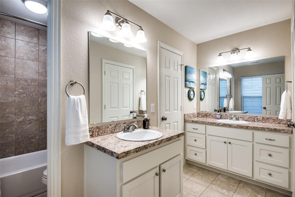 833 Summercreek Drive, Lewisville, Texas 75067 - acquisto real estate best new home sales realtor linda miller executor real estate