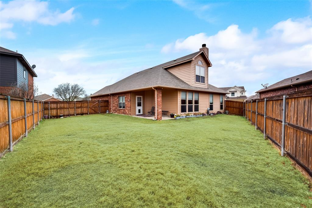 10928 Hawks Landing Road, Fort Worth, Texas 76052 - acquisto real estate best park cities realtor kim miller best staging agent