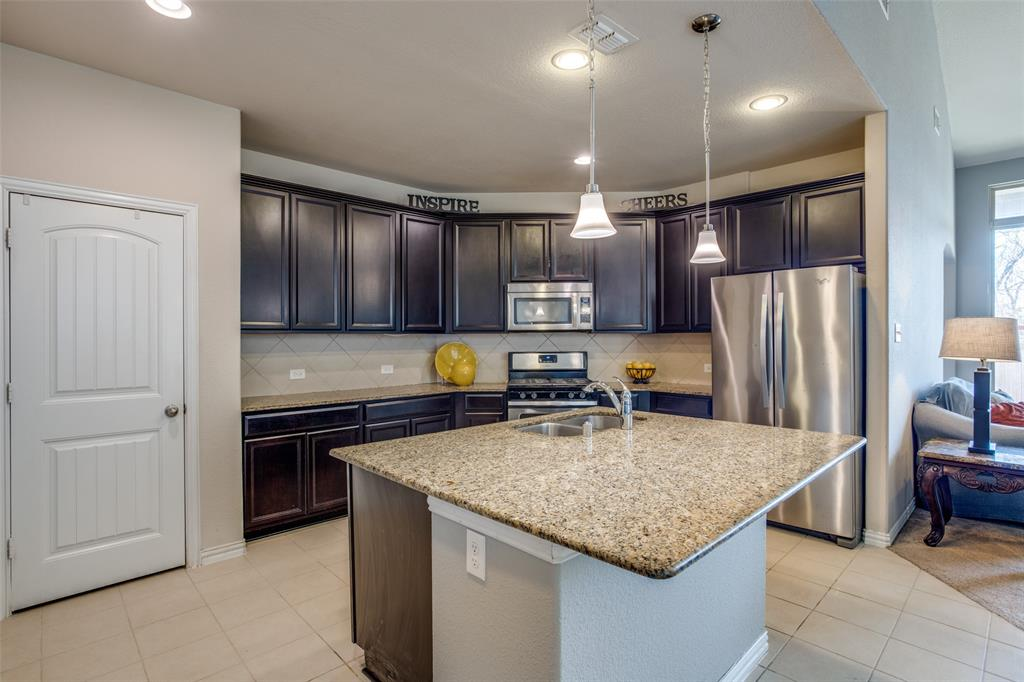 701 Spring Falls Drive, McKinney, Texas 75071 - acquisto real estate best new home sales realtor linda miller executor real estate