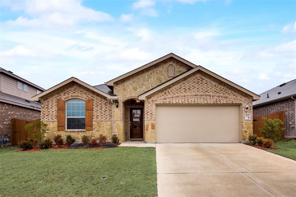 1979 Travertine Avenue, Heartland, Texas 75126 - Acquisto Real Estate best plano realtor mike Shepherd home owners association expert