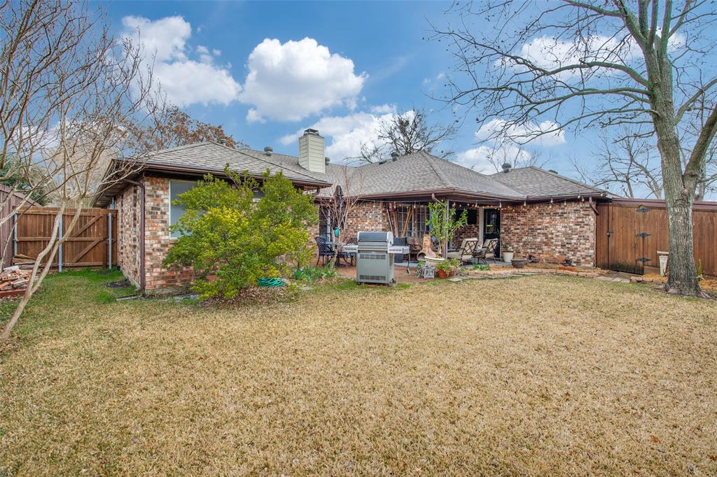 2409 Winnsboro Court, Plano, Texas 75075 - acquisto real estate best realtor foreclosure real estate mike shepeherd walnut grove realtor