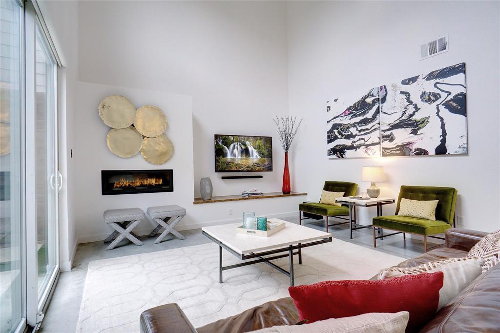 3824 Pine Tree Court, Dallas, Texas 75206 - acquisto real estate best celina realtor logan lawrence best dressed realtor