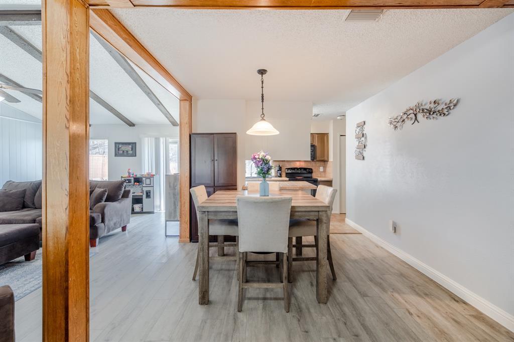 2212 Colonial Place, Carrollton, Texas 75007 - acquisto real estate best designer and realtor hannah ewing kind realtor