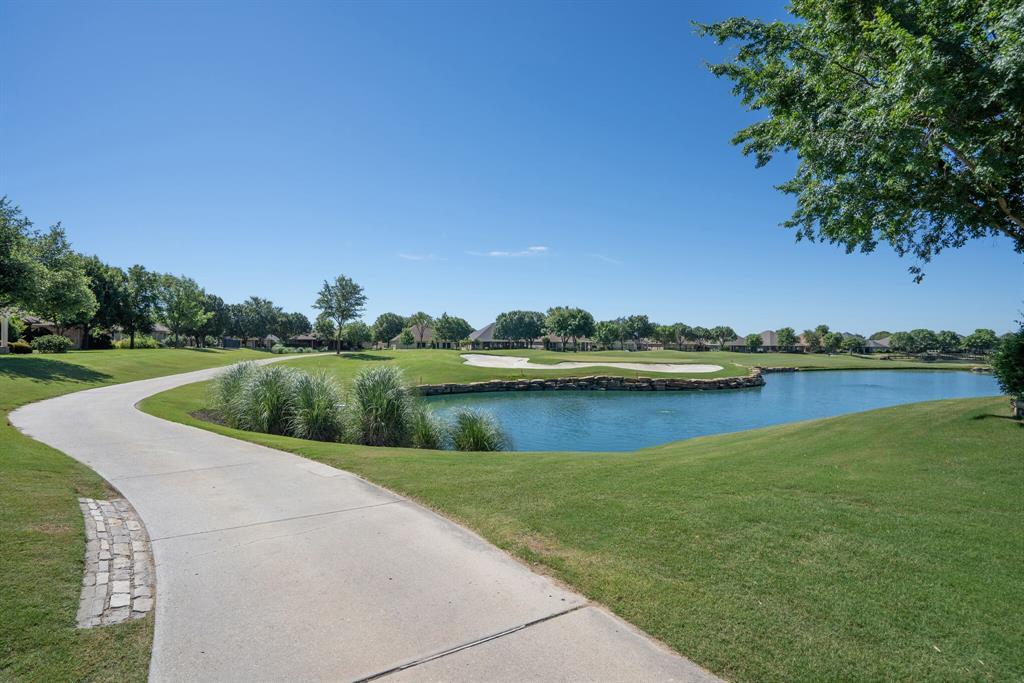 9004 Freeport Drive, Denton, Texas 76207 - acquisto real estate best looking realtor in america shana acquisto