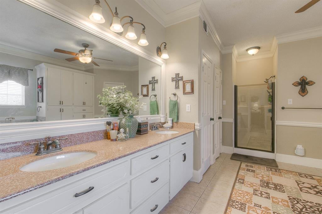 100 Mariah  Drive, Weatherford, Texas 76087 - acquisto real estate best photos for luxury listings amy gasperini quick sale real estate