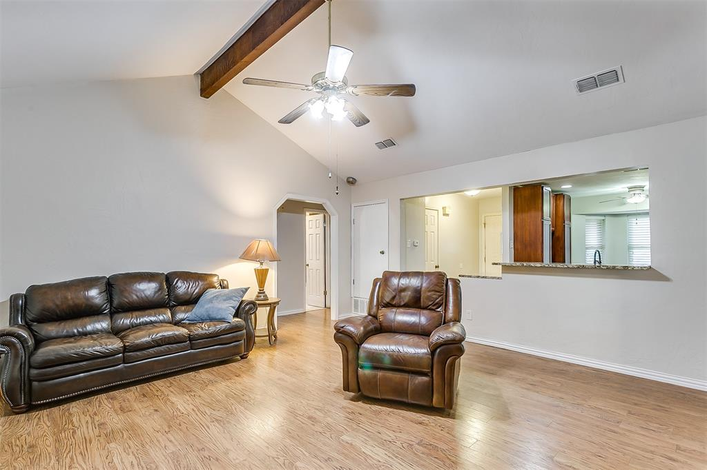 603 Pleasant Manor Avenue, Burleson, Texas 76028 - acquisto real estate best new home sales realtor linda miller executor real estate