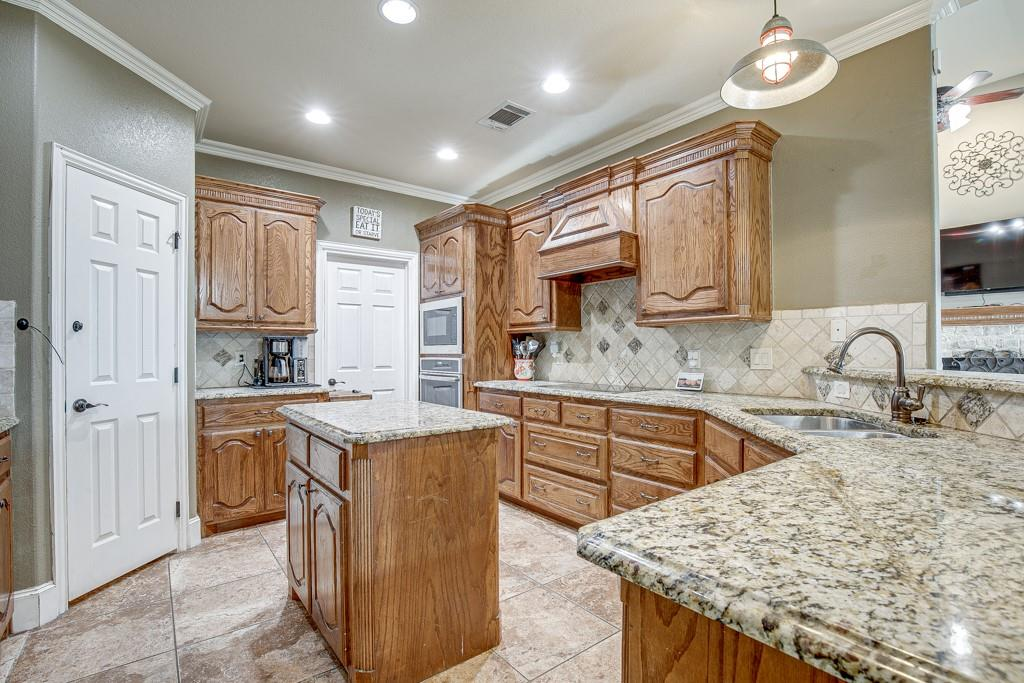 1144 Secretariat Drive, Terrell, Texas 75160 - acquisto real estate best celina realtor logan lawrence best dressed realtor