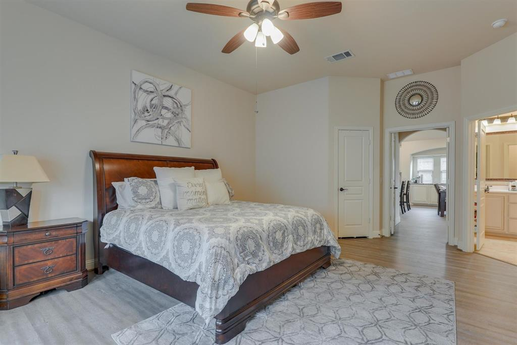 805 Foxtail Drive, Mansfield, Texas 76063 - acquisto real estate best photos for luxury listings amy gasperini quick sale real estate