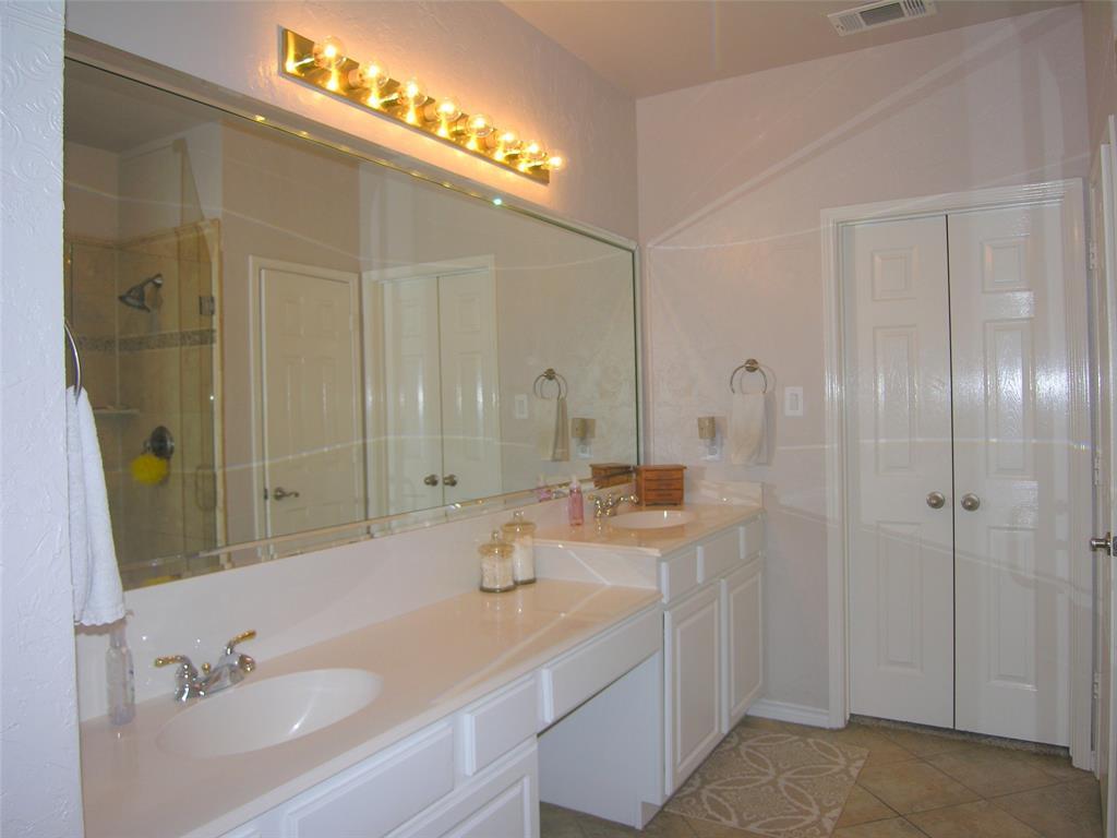 1608 Bur Oak Drive, Allen, Texas 75002 - acquisto real estate best real estate company to work for