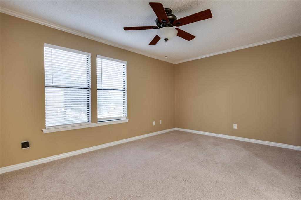 702 Red Wing Drive, Lewisville, Texas 75067 - acquisto real estate best realtor foreclosure real estate mike shepeherd walnut grove realtor