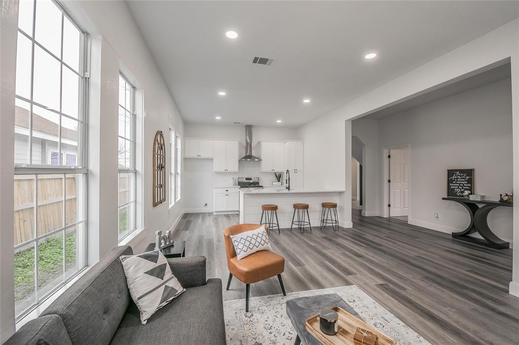 2925 May Street, Fort Worth, Texas 76110 - acquisto real estate best real estate company to work for