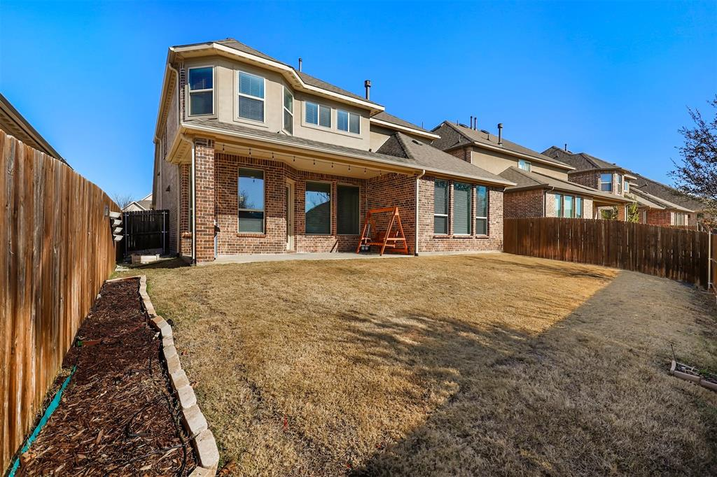 300 Ridgewood Drive, Lewisville, Texas 75067 - acquisto real estate agent of the year mike shepherd