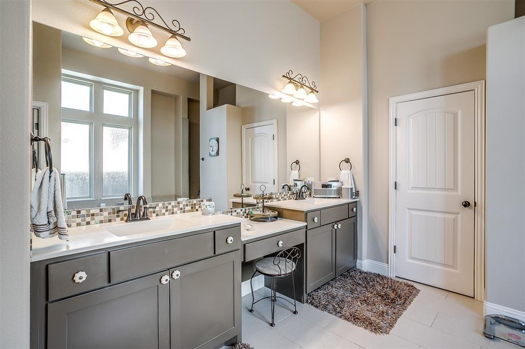 157 Diablo Drive, Burleson, Texas 76028 - acquisto real estate best negotiating realtor linda miller declutter realtor