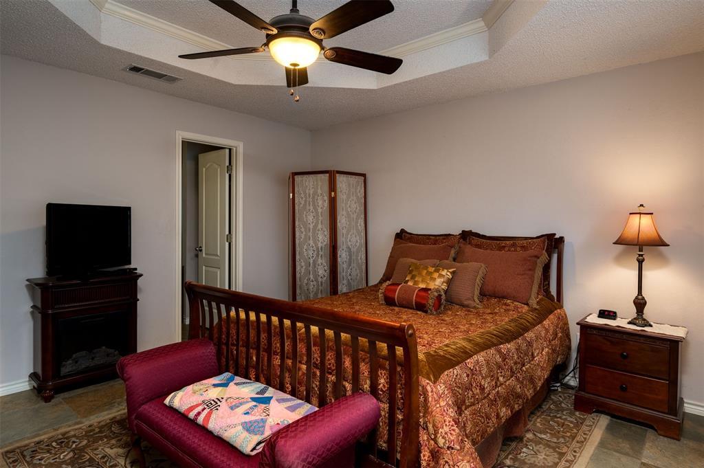 1108 LINDA Lane, Greenville, Texas 75402 - acquisto real estate best style realtor kim miller best real estate reviews dfw