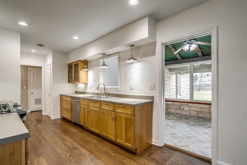 6355 Greenway Road, Fort Worth, Texas 76116 - acquisto real estate best park cities realtor kim miller best staging agent