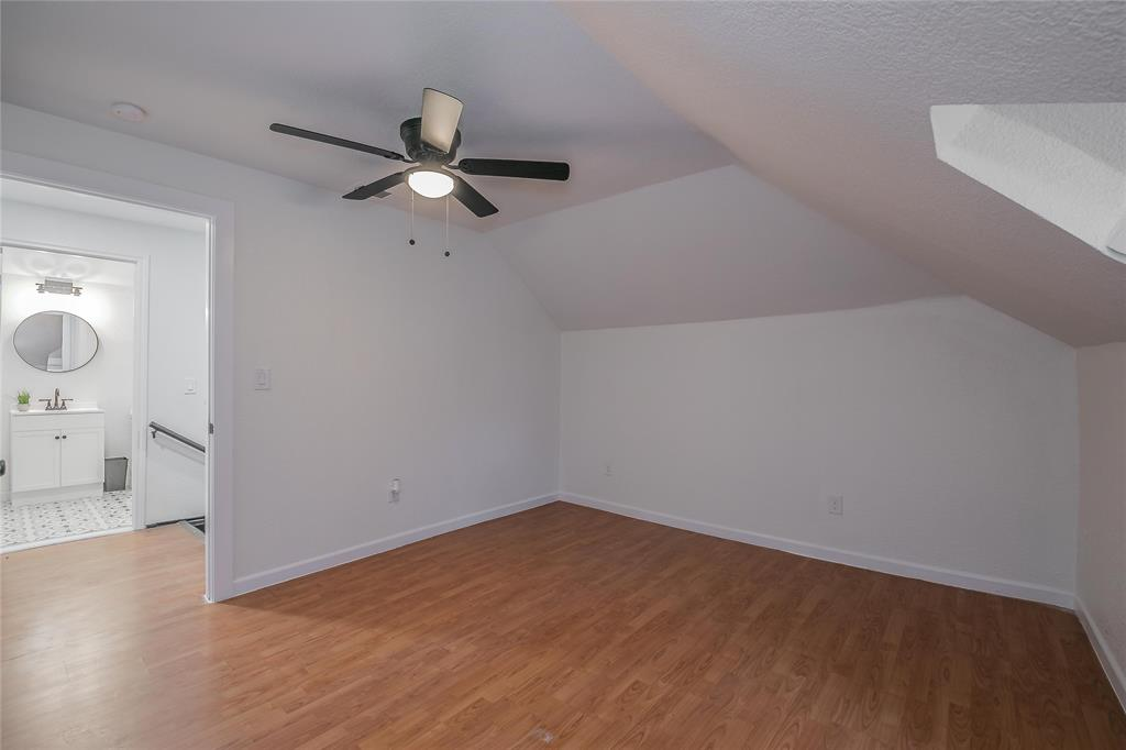 2925 May Street, Fort Worth, Texas 76110 - acquisto real estate best park cities realtor kim miller best staging agent