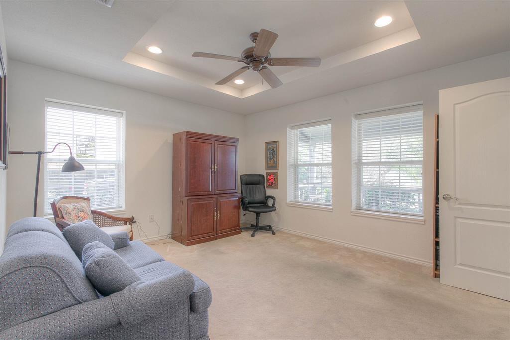 6510 Circo Drive, Granbury, Texas 76049 - acquisto real estate best negotiating realtor linda miller declutter realtor