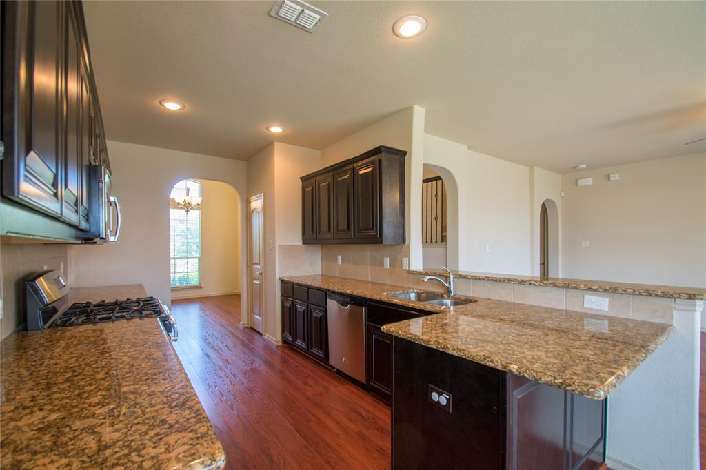 2929 Maple Creek Drive, Fort Worth, Texas 76177 - acquisto real estate best real estate company to work for