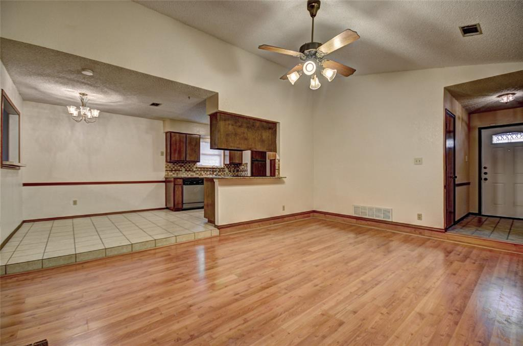 212 Asbury Drive, Saginaw, Texas 76179 - acquisto real estate best the colony realtor linda miller the bridges real estate