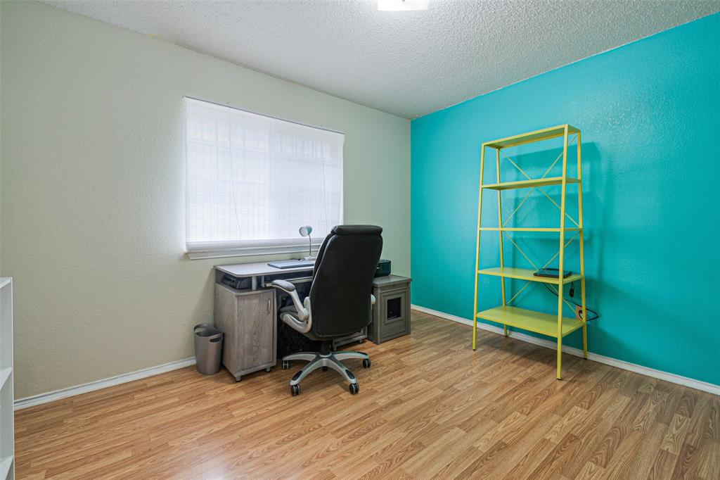 4545 Posada Drive, Dallas, Texas 75211 - acquisto real estate best realtor dallas texas linda miller agent for cultural buyers