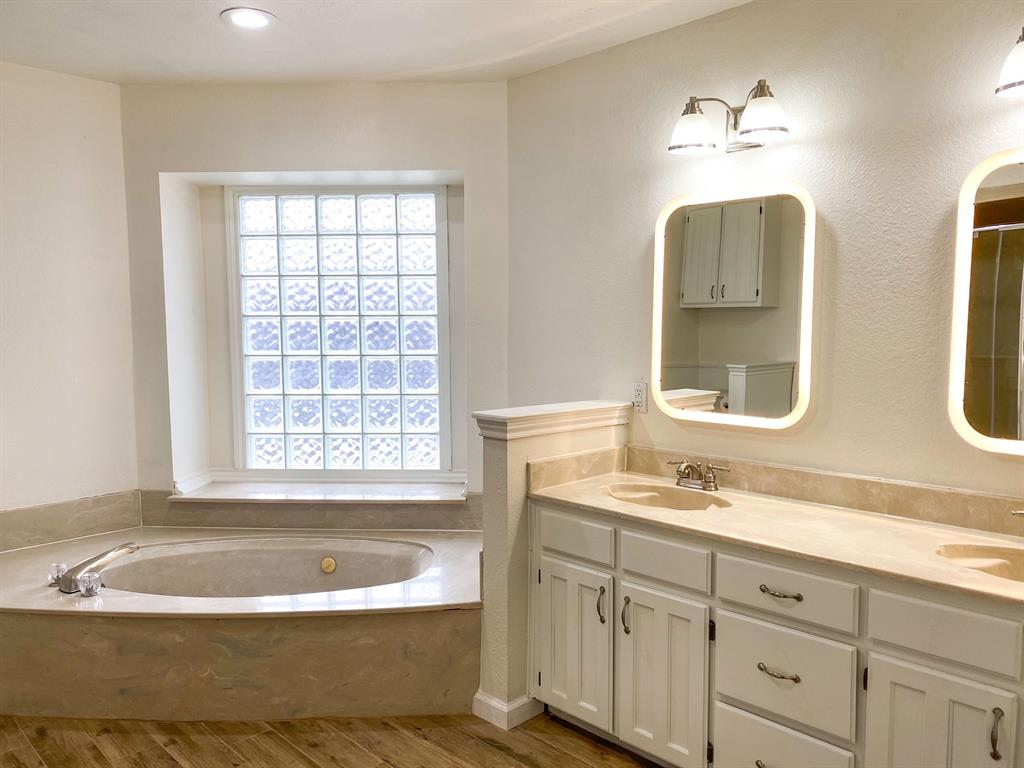 915 Baldwin Drive, Arlington, Texas 76012 - acquisto real estate best celina realtor logan lawrence best dressed realtor
