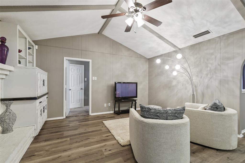 1413 Kingsbridge Drive, Garland, Texas 75044 - acquisto real estate best the colony realtor linda miller the bridges real estate