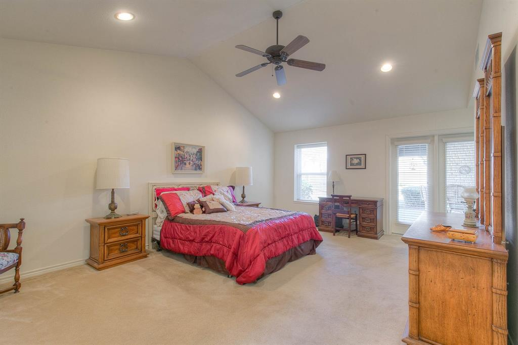 6510 Circo Drive, Granbury, Texas 76049 - acquisto real estate best realtor foreclosure real estate mike shepeherd walnut grove realtor