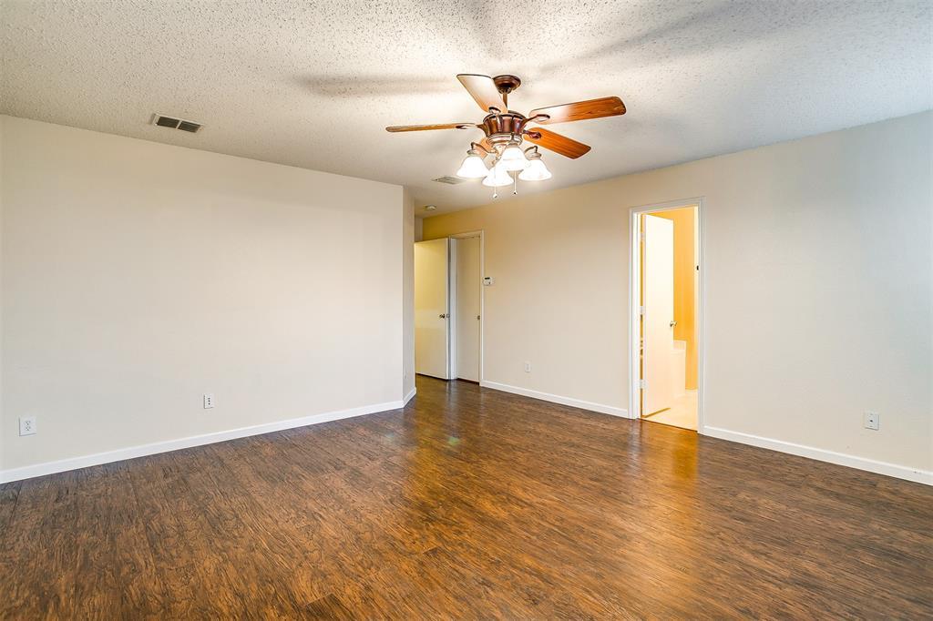 3848 Irish Setter Drive, Fort Worth, Texas 76123 - acquisto real estate best listing photos hannah ewing mckinney real estate expert