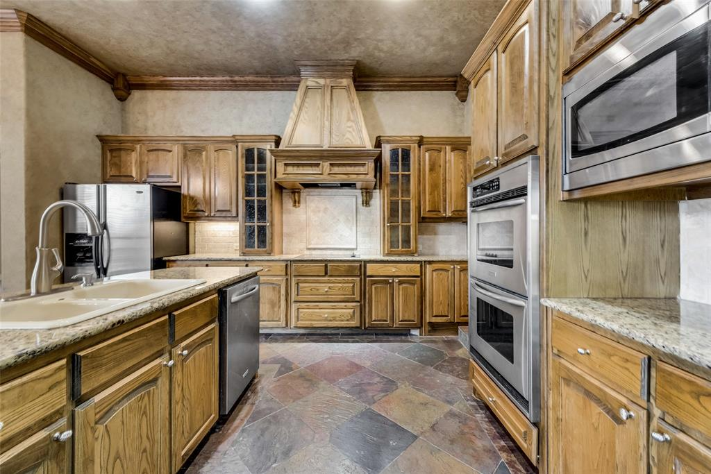 218 Hide A Way Drive, Mabank, Texas 75156 - acquisto real estaet best boutique real estate firm in texas for high net worth sellers