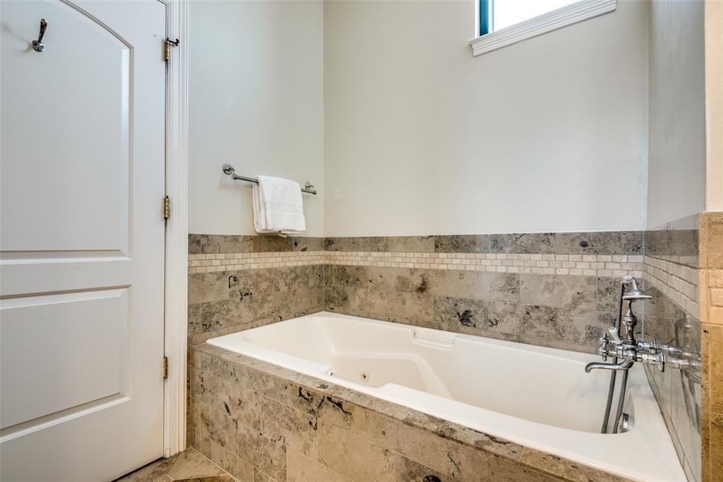 2828 Hood Street, Dallas, Texas 75219 - acquisto real estate best realtor foreclosure real estate mike shepeherd walnut grove realtor