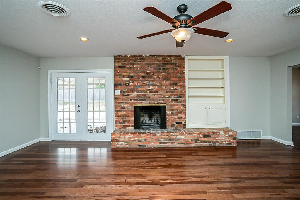 6129 Whitman Avenue, Fort Worth, Texas 76133 - acquisto real estate best prosper realtor susan cancemi windfarms realtor