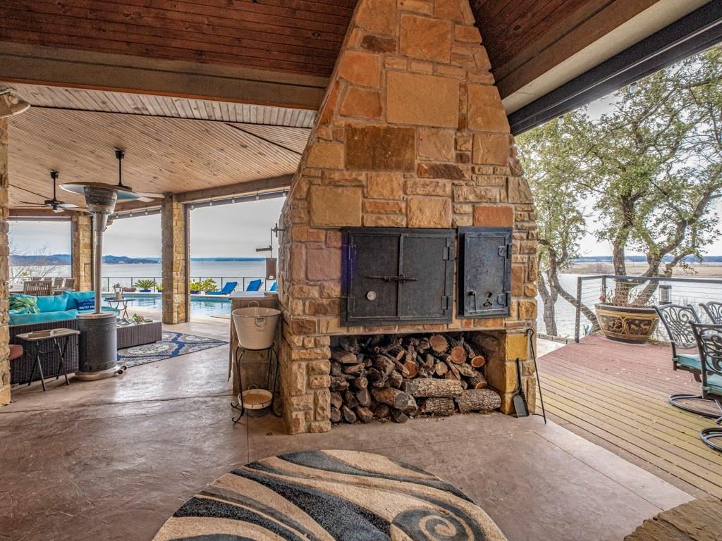 2305 Alexa Court, Granbury, Texas 76048 - acquisto real estate best realtor foreclosure real estate mike shepeherd walnut grove realtor