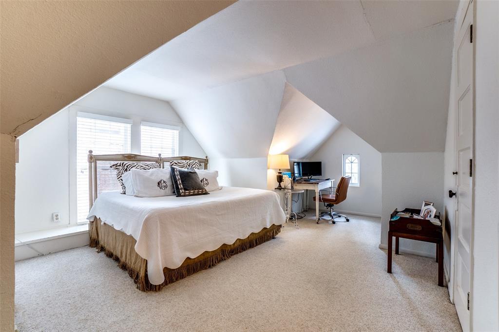 5827 Morningside Avenue, Dallas, Texas 75206 - acquisto real estate best realtor foreclosure real estate mike shepeherd walnut grove realtor