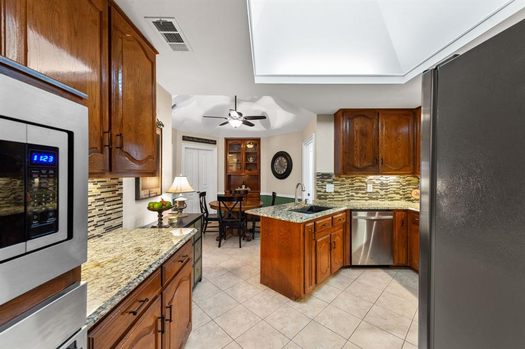3901 Thornhill Way, Rowlett, Texas 75088 - acquisto real estate best luxury buyers agent in texas shana acquisto inheritance realtor