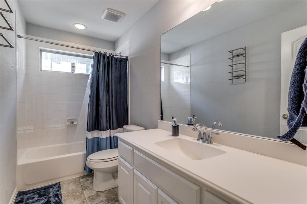 4135 Sanders Drive, Celina, Texas 75009 - acquisto real estate best designer and realtor hannah ewing kind realtor