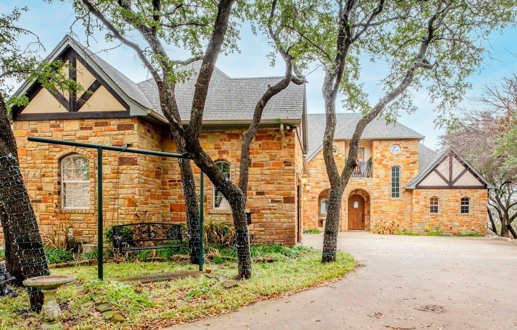 2305 Alexa Court, Granbury, Texas 76048 - Acquisto Real Estate best plano realtor mike Shepherd home owners association expert