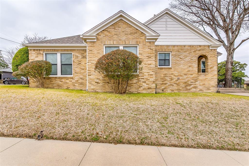 4405 Pershing Fort Worth, Texas 76107 - acquisto real estate best frisco real estate broker in texas for high net worth buyers