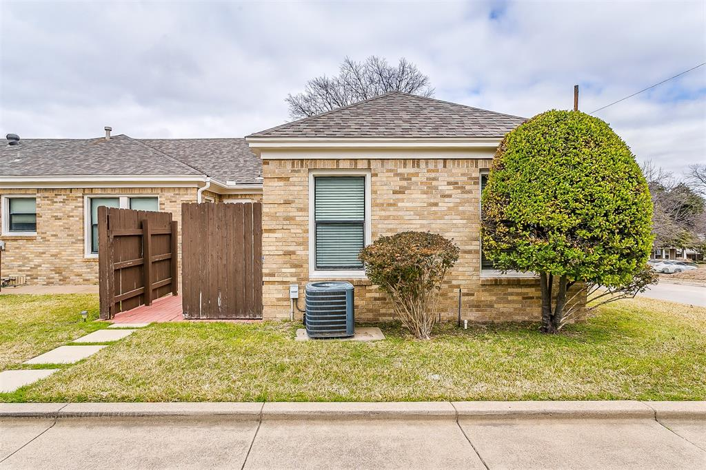 4405 Pershing Fort Worth, Texas 76107 - acquisto real estate best frisco real estate agent amy gasperini panther creek realtor